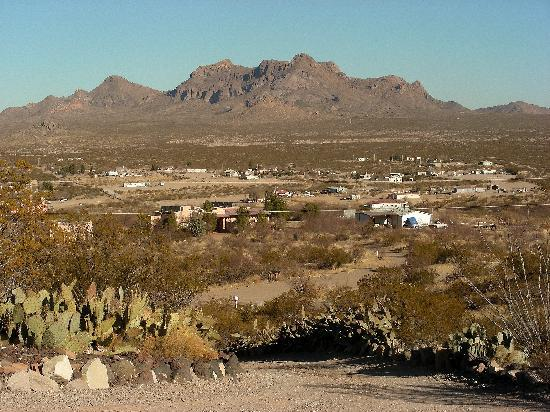 Hilltop Hacienda Bed and Breakfast: View of development and mtns. to north