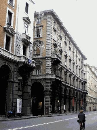 Alle Torri: vista del palazzo