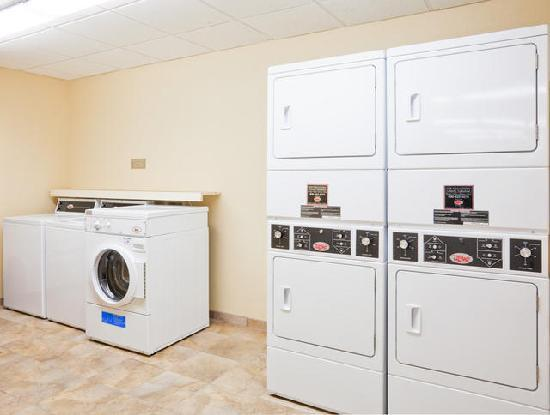 Candlewood Suites Montgomery: Free Guest Laundry