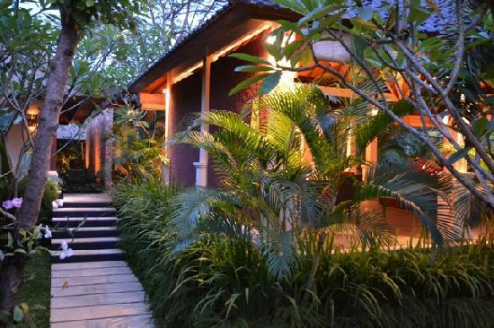 Villa Sabandari : Near entrance 入り口付近
