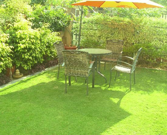 Sids Gurgaonbnb: More garden