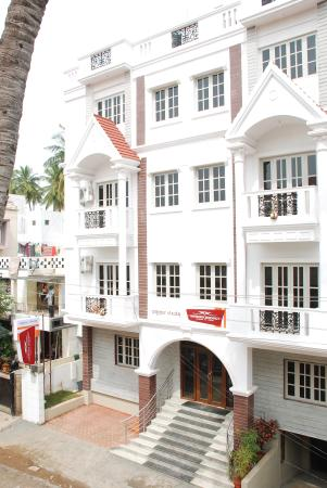 Aishwarya Residency Exterior Photo