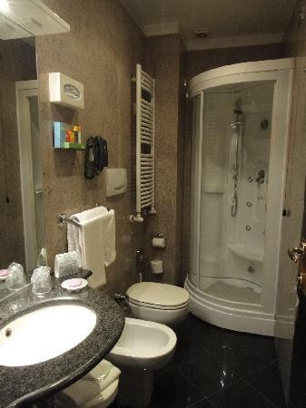 Hotel Star: Spacious bathroom, which I like. Regret not testing the sauna.