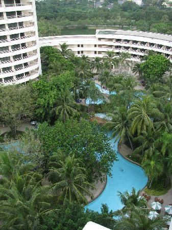 Hilton Phuket Arcadia Resort & Spa: One of the pool ares