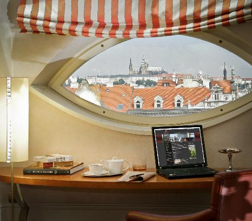 Mamaison Riverside Hotel Prague: Junior Suite