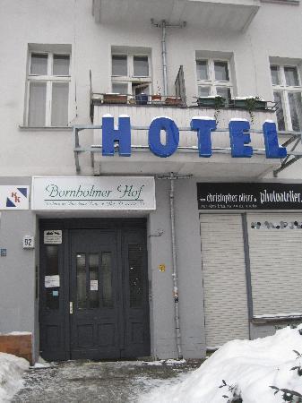 Pension Bornholmer Hof: Ingresso esterno dell'hotel
