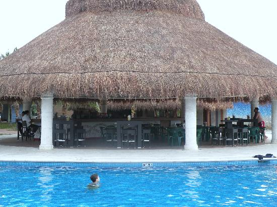 Paradise Beach : New Pool Bar-Great Music, Food, and Drinks