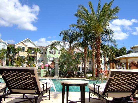 Runaway Beach Club : la belle piscine...
