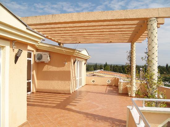 Villa Primafila: Grosszügige Terrasse