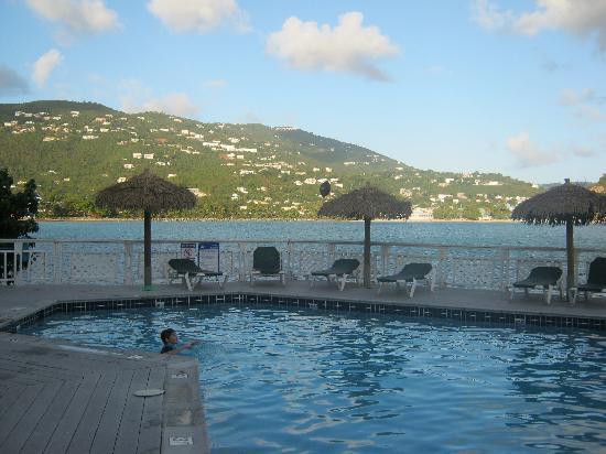Lindbergh Bay Hotel and Villas : Pool area