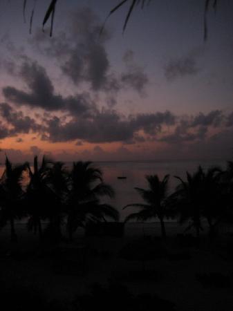 Jacaranda Beach Resort: che tramonto