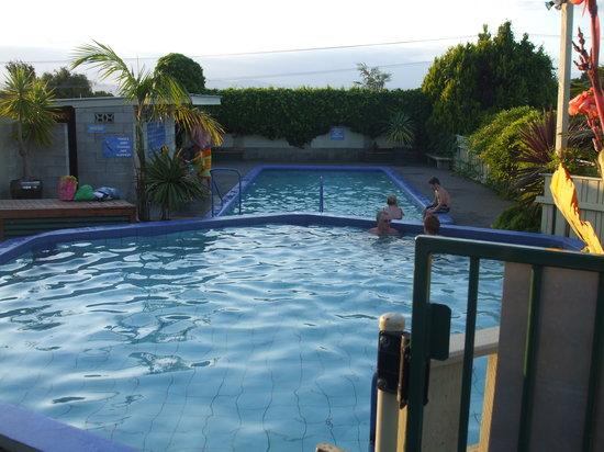 Omokoroa Kiwi Holiday Park: Lovelly hot pools