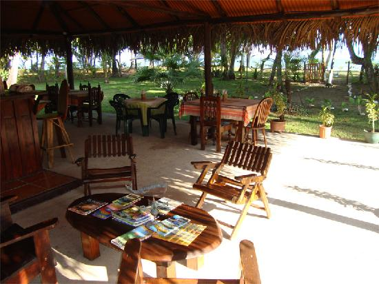 Hotel Rancho Coral: The Rancho is perfect for Breakfast, Lunch, Dinner, Catching up with Work, Reading and Relaxing