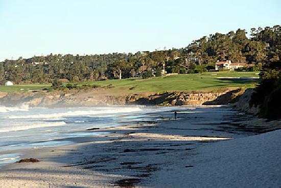 Vagabond's House Inn: Carmel Beach