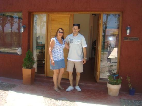Terravid Petit Hotel : PATRICIA Y ROBERTO, CASTELAR, BUENOS AIRES, ARGENTINA