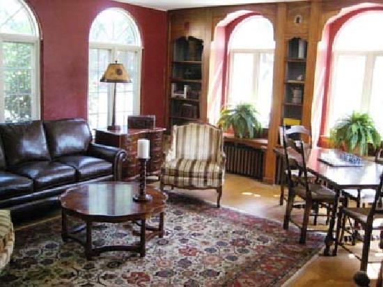 The Oaks Bed and Breakfast Hotel: Sitting Room