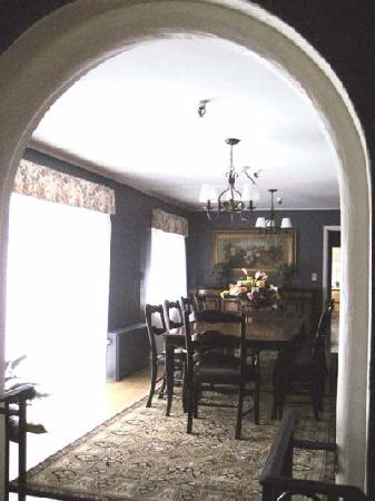 The Oaks Bed and Breakfast Hotel: Dining Room