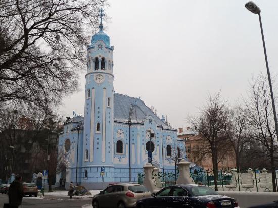 St.-Elisabeth-Kirche/Blaue Kirche: Really blue