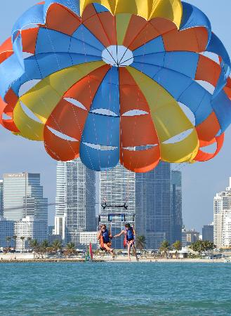 Aquaworld Miami Parasailing In Beach