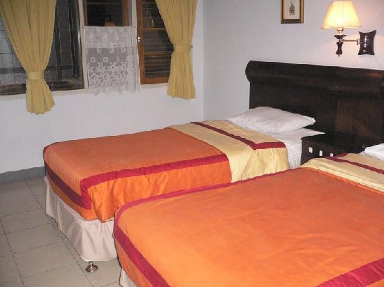 Rumah Asri Guest House: Superior Room @ 1st floor