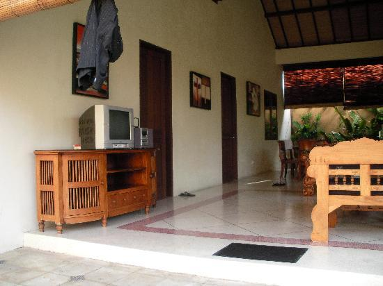 Grand Bali Villa: The living area - the two doors lead to bedrooms