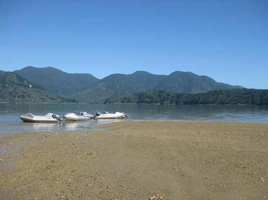 Waterways Boating Safaris: Boats