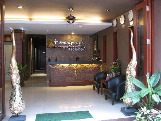 Hemingways Hotel Patong Beach: Reception