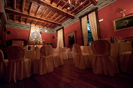 Colleretto Giacosa, Italy: il nostro ristorante / our restaurant