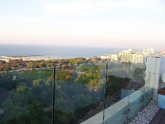 Melody Hotel   Tel Aviv - an Atlas Boutique Hotel: view from roof
