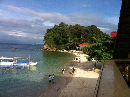 Sabang Oasis Resort: View of Laguna Beach from the LBC - just a short walk round the corner from Sabang, great for si