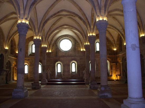 Alcobaca, Portugal: Im Kloster