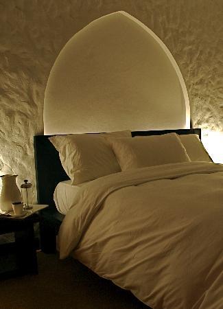 Bustan Urban Retreat: Room/ Bed