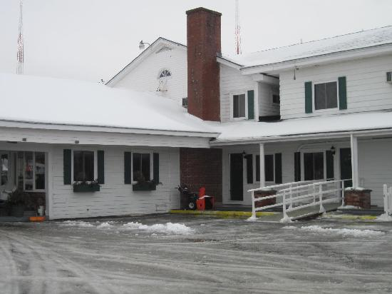 Vacationland Inn: It's a cozy, mom-and-pop kind of place - we left with friendly feelings.