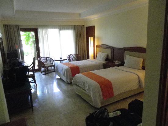 HARRIS Resort Kuta Beach: Kids room