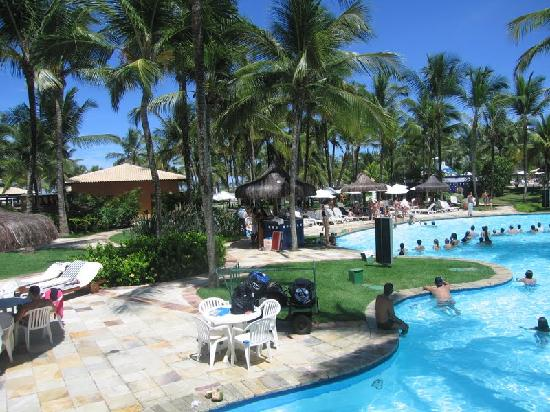 "Ilha de Comandatuba: main swimming pool and ""beach restaurant"""