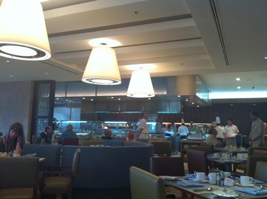 Amwaj Rotana: Dining at The Amwaj