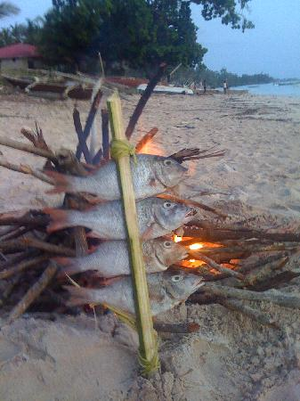 Swahili Beach Resort: fish supper on the beach