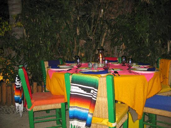 Edithu0027s Table settings at Edith - Mexican charm & Table settings at Edith - Mexican charm - Picture of Edithu0027s Cabo ...