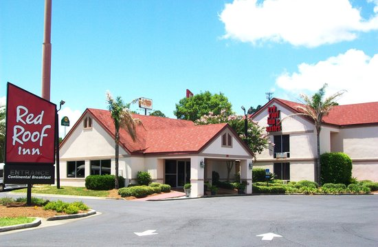 Red Roof Inn & Suites Brunswick I-95: Red Roof Inn