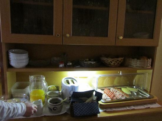 Haus Hugo: breakfast 1