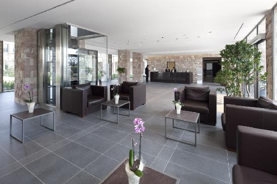 Hotel Cenacolo: Reception
