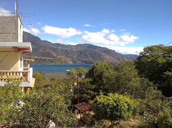 Hospedaje Estrella del Lago: Vista del Lago desde el balcón
