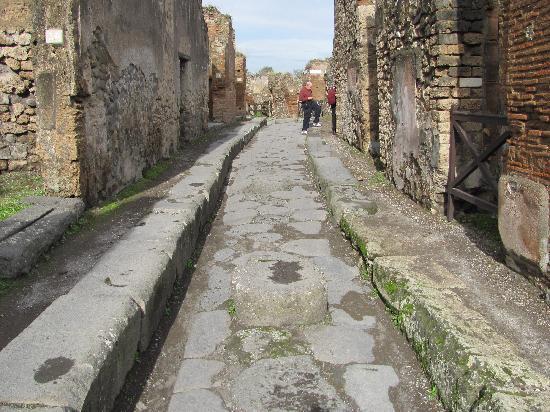 Ristorante Pizzeria Carlo Alberto: The streets of Pompeii.