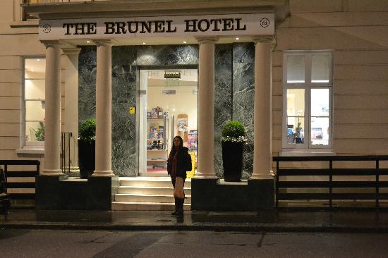 Brunel Hotel : Front Door