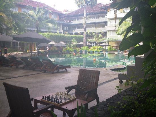 HARRIS Resort Kuta Beach: Another Pool View