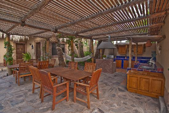 Las Cabanas de Loreto: outdoor kitchen/BBQ area