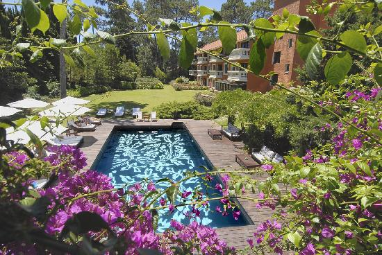 Barradas Parque Hotel & Spa: Outdoor Pool at Barradas Parque Hotel in Punta del Este