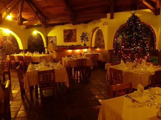Hotel Silberstein: Speisesaal am Abend