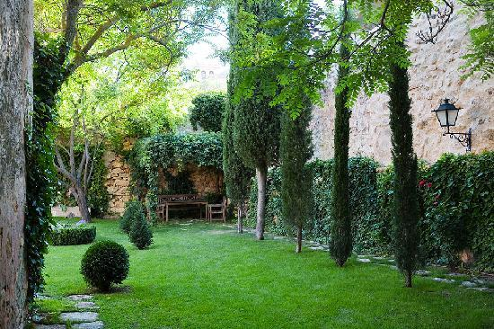 Imon, Spain: jardin