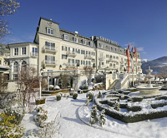 Grand Hotel Zell am See: Hausansicht GRAND HOTEL im Winter